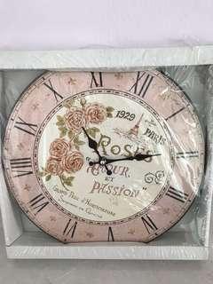 🚚 Vintage Design Clock