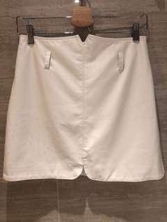 白色裙 white skirt