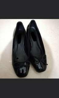 Ballet flat 見工返工蝴蝶漆皮黑鞋 size 37碼 只穿過兩次 only used twice