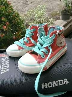 Sepatu sneakers anak cewe