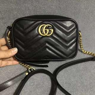 GUCCI Black/Red Small and big size Chain Bag