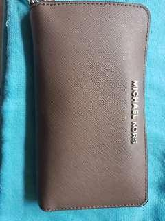 Authentic Michael Kors wallet (Pre-Loved)