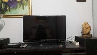 Tv led samsung 32 inchi. 081288618544
