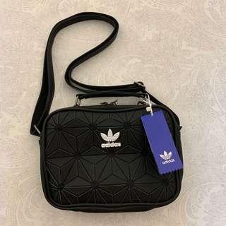 [AUTHENTIC, INSTOCK] Adidas 3D Airliner Sling Bag (black)