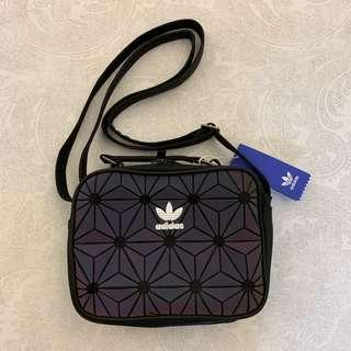 [AUTHENTIC, INSTOCK] Adidas 3D Airliner Sling Bag (black iridescent)