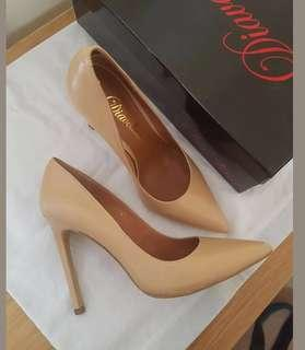 Diavolina Nude heels pumps sz 6.5 NEW