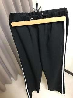 🚚 轉售2143側邊線條黑色棉褲