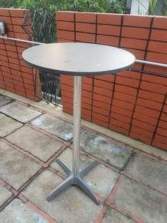 Round Movable Aluminium Based Bar Table