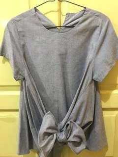 Preloved top in denim color