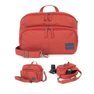 🚚 Tukano橘紅色相機攝影側背包