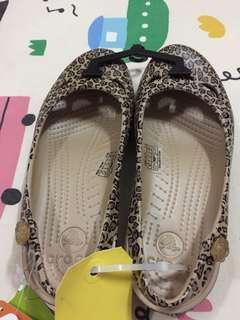 🚚 Crocs豹紋女鞋