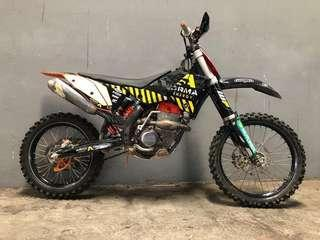 KTM 250 SX-F 2010 (Non-Road Legal) Selling to clear storage space! Selling as it is. Kick start monster!