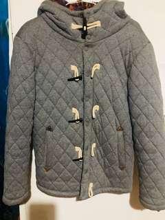 🚚 保暖灰色牛角棉外套