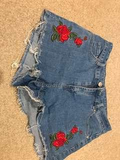 Rose Embroided Shorrs