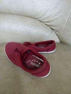 Ando Maroon Sneakers