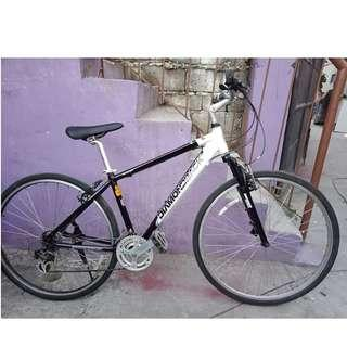 DIAMONDBACK ALLOY HYBRID BIKE (FREE DELIVERY AND NEGOTIABLE!)