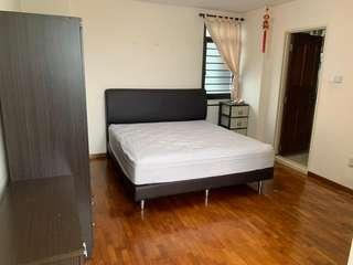 HDB @ 272B Jurong West St 24 For Rent