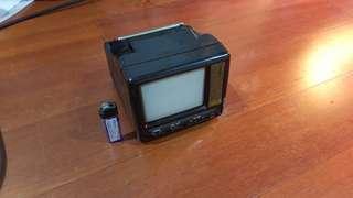早期4.5吋小電視
