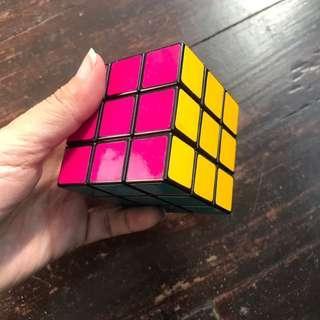 Rubik's cube (solved)