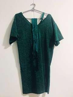 🚚 🎉 Clearance Sale! Green shiny dress (one side offshoulder) with lace