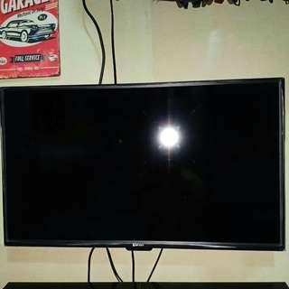 Xenon 32 inch led tv