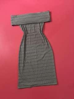 Off shulder black & White dress