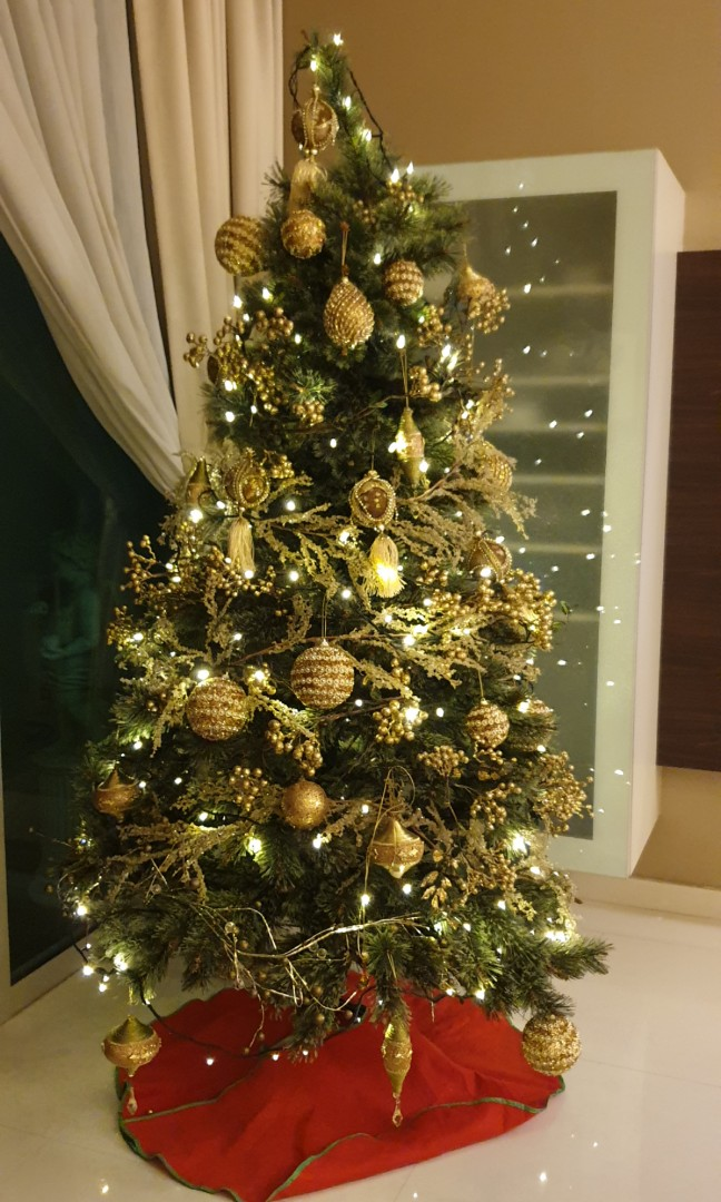 6ft Xmas Tree With Ornaments Furniture Home Decor Others On Carousell