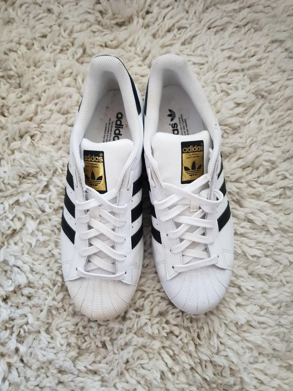 211629916 Adidas MENS original superstar HARDLY USED