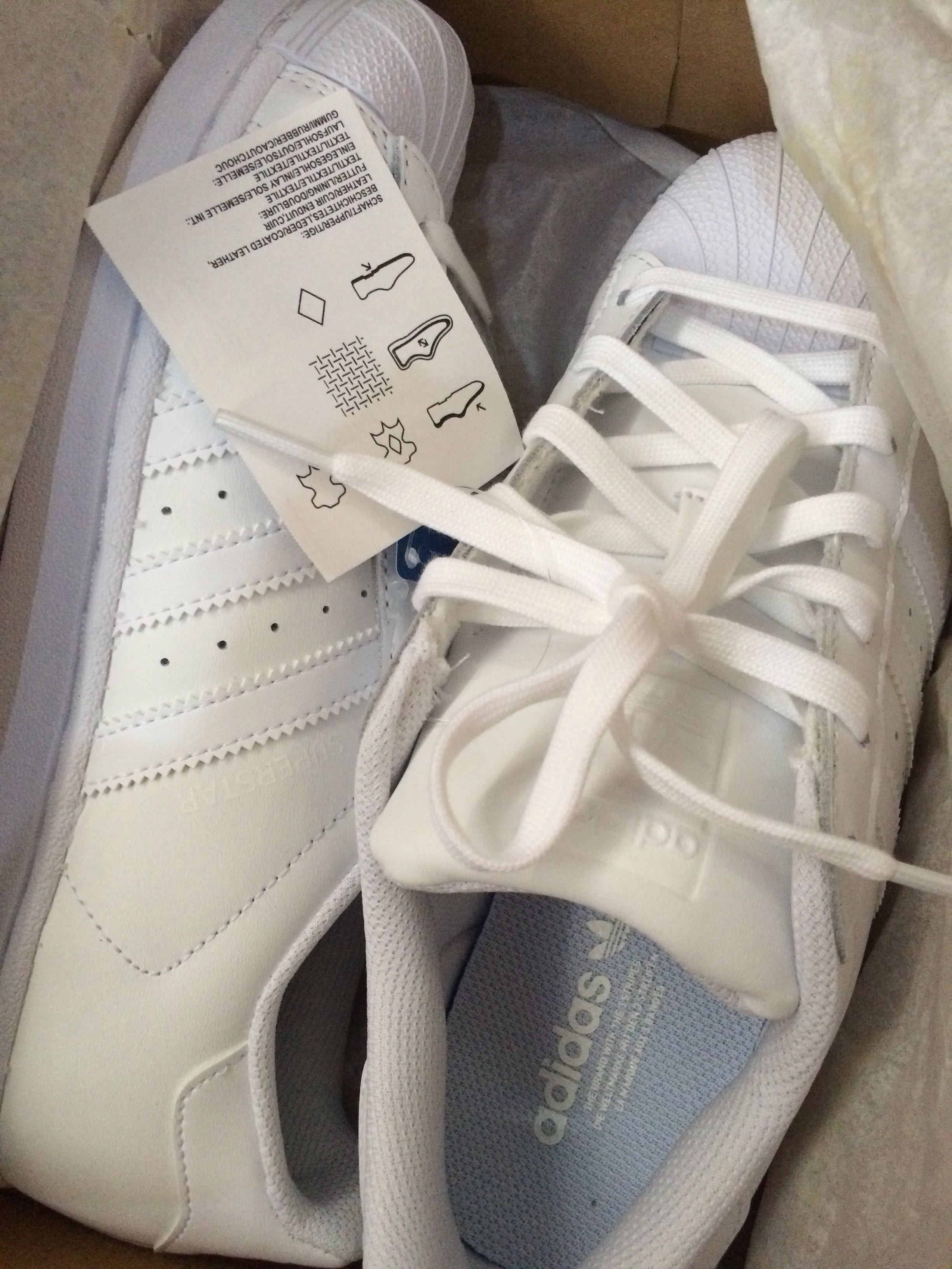 AUTHENTIC ADIDAS SUPERSTAR FOUNDATION (all white)