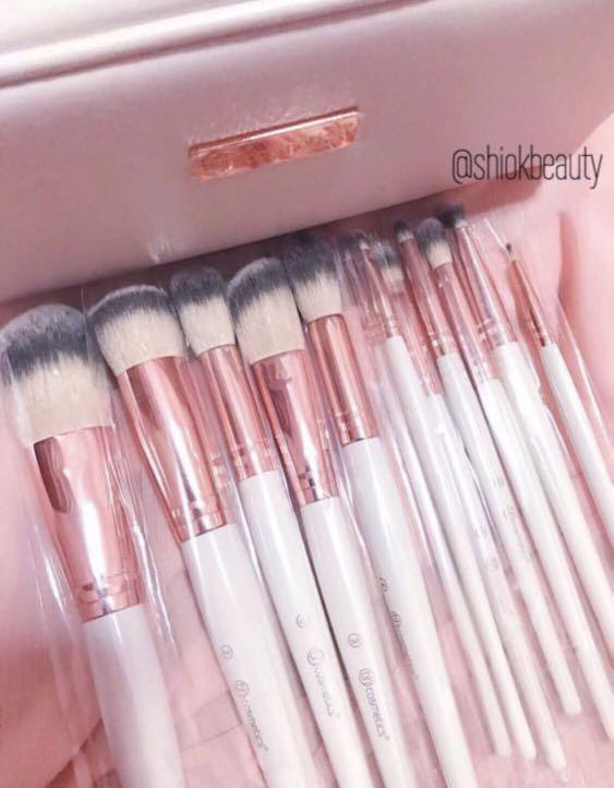 [SOLD OUT!] BH Cosmetics Rose Romance 12 Piece Brush Set complete with Pouch