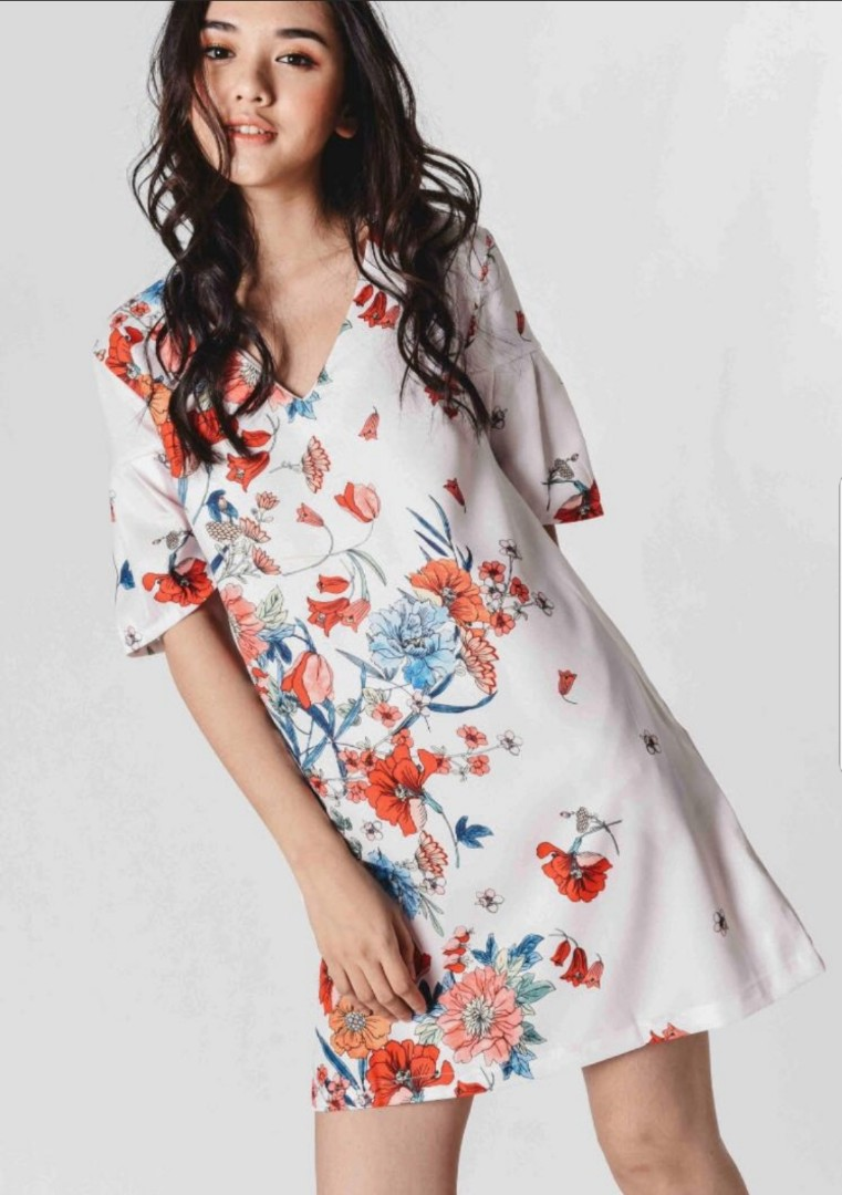 d72bae33b1 BN Floral Flowy Dress