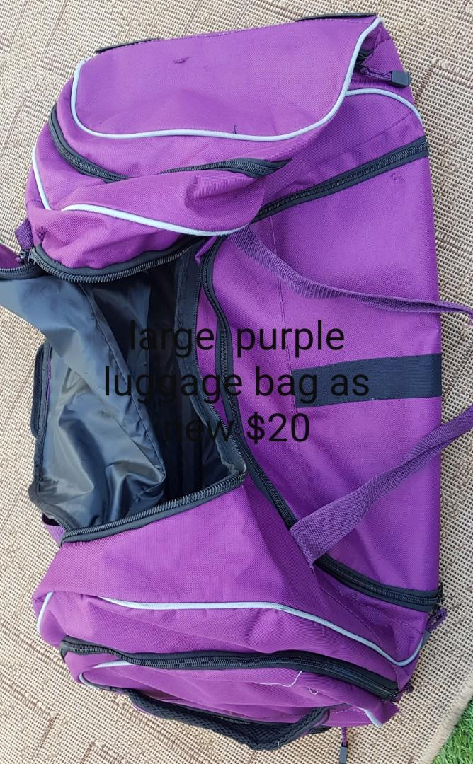 Cheap Laptop  bags & large overnight bags prices  on pics. Nothing  over  $30 & pickup willetton area or may deliver for sml fee.