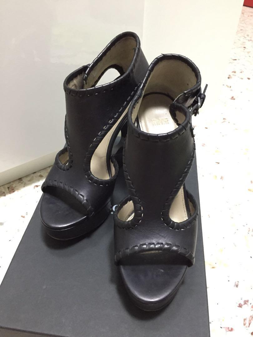 Hugo boss black leather open toe heels