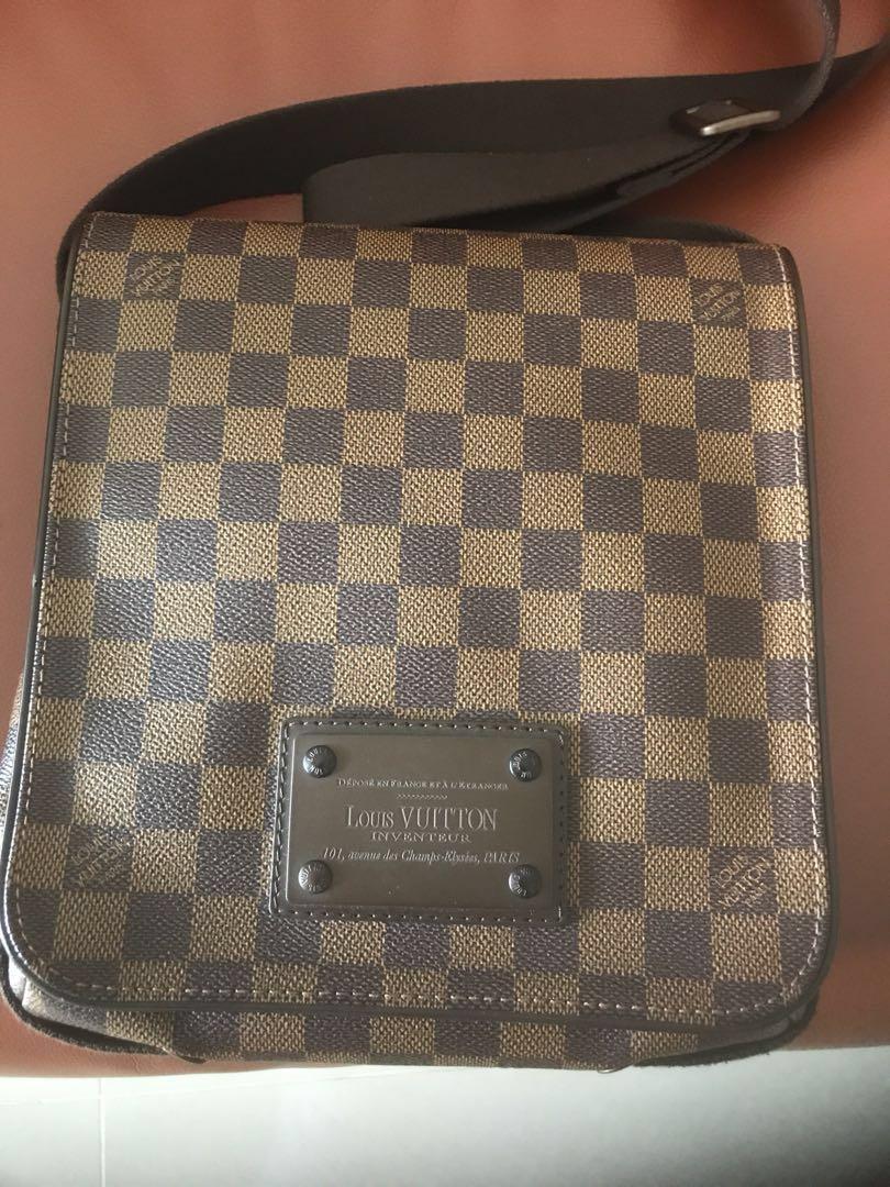 e3c0690b3ebc Louis Vuitton Brooklyn MM Damier Ebene Messenger Bag
