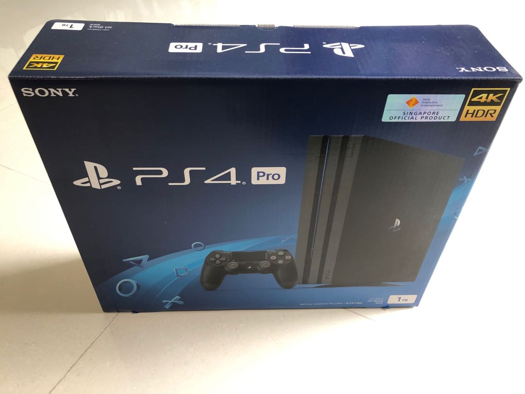 Selling PS4 Pro 1TB 4K (6mths old~)