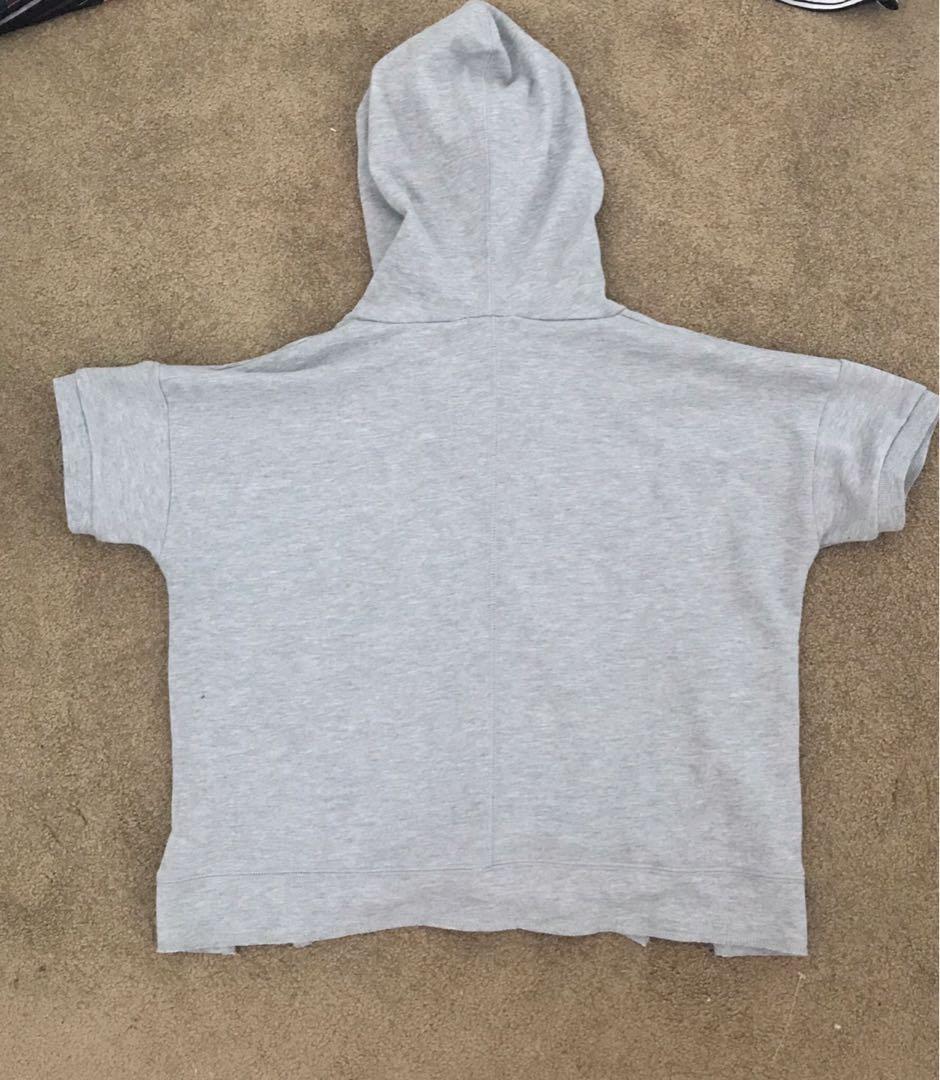 Short sleeved sweater hoodie