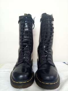 Doc Martens 1914 Boots MADE IN CHINA