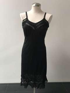 Vintage black slip