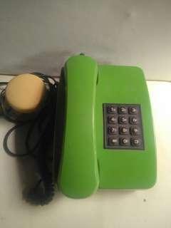Telpon pencet jadul warna ijo