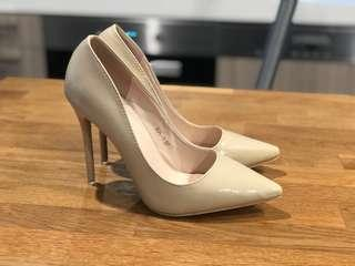 **Brand New** - Size 37 Pointed toe stiletto heels - Natural