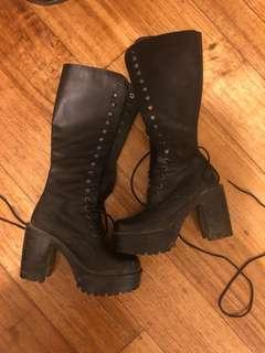 Roc boots size 37