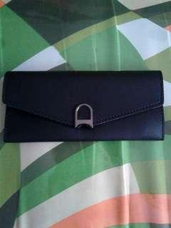 2 Day Sale Black Parisian Wallet