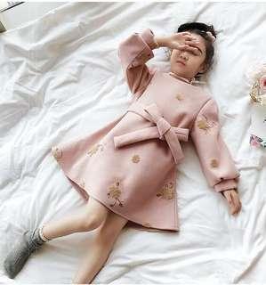 🚚 預購「110-160碼中大女童刺繡花朵連身洋裝」童裝
