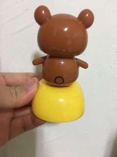 Nirakuma shaking head toy