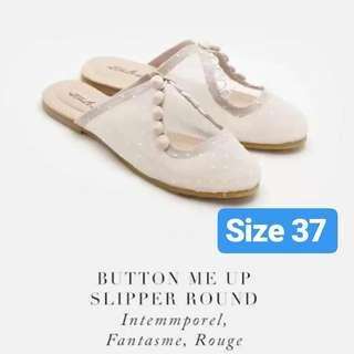 Ittaherl curated x Eddy Betty Button Me Up Slipper Round