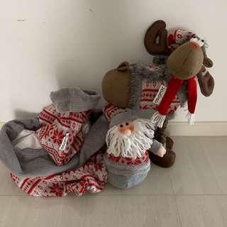 Christmas decorations / toys