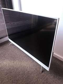 Samsung Limited Edition White TV 43 inch (Smart TV)