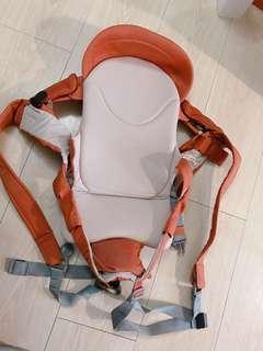 🚚 Combi 嬰幼兒背巾(8-9成新、無污)