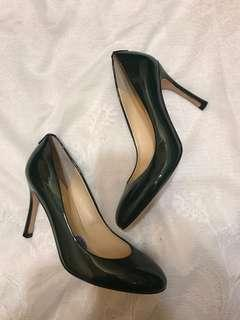NEW Size 6.5 Patent Leather Pumps