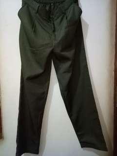 Mikaila pants army